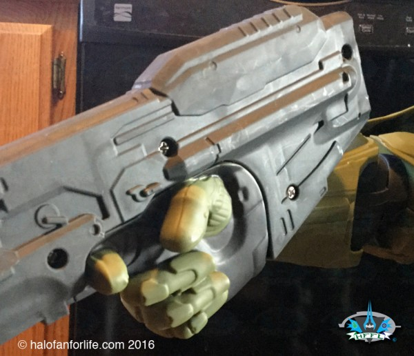 Jakks 31in Master Chief CU AR non-removable