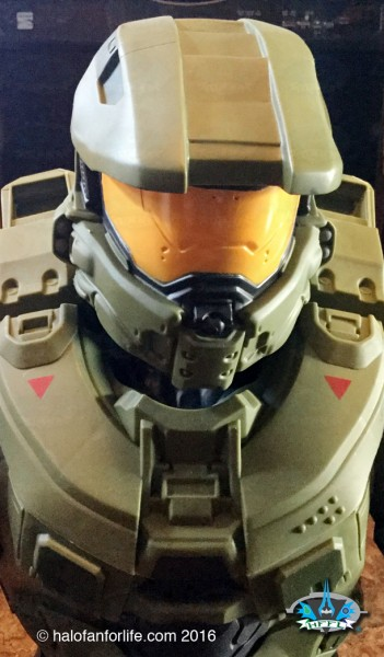 Jakks 31in Master Chief CU Helmet-Chest