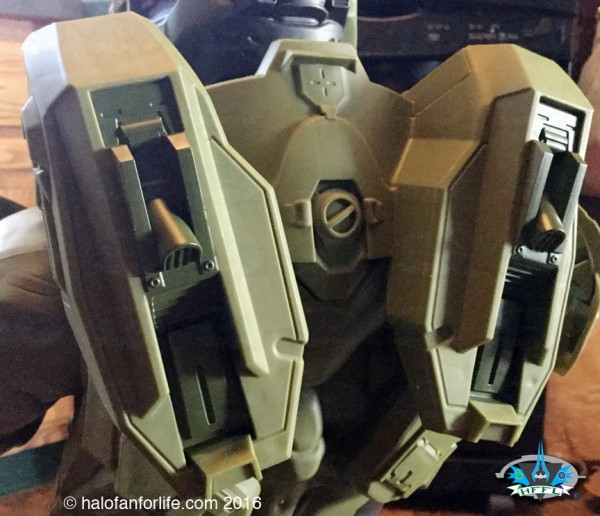 Jakks 31in Master Chief CU back 2