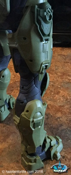 Jakks 31in Master Chief CU leg2