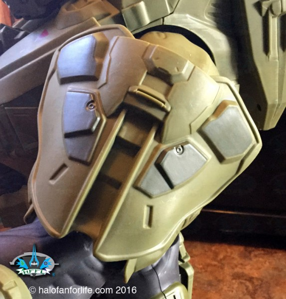 Jakks 31in Master Chief CU shoulder