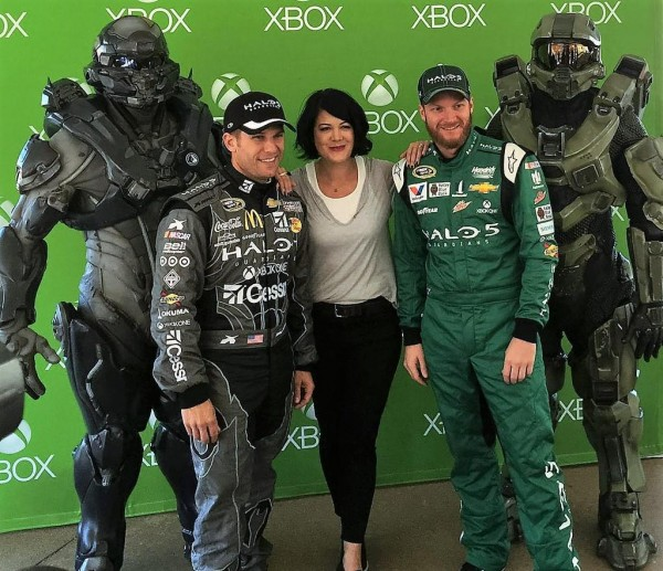 Kiki with drivers and Spartans