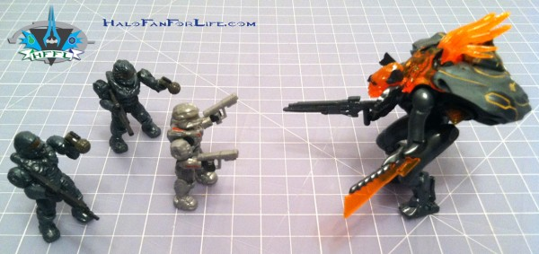 MB 97129 Pelican minifig battle