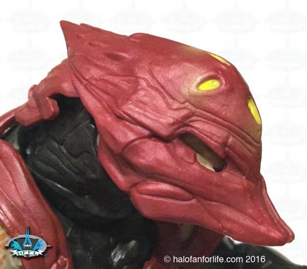 mt-elite-zealot-detail-helmet