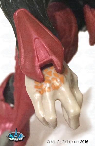 mt-elite-zealot-detail-wrist
