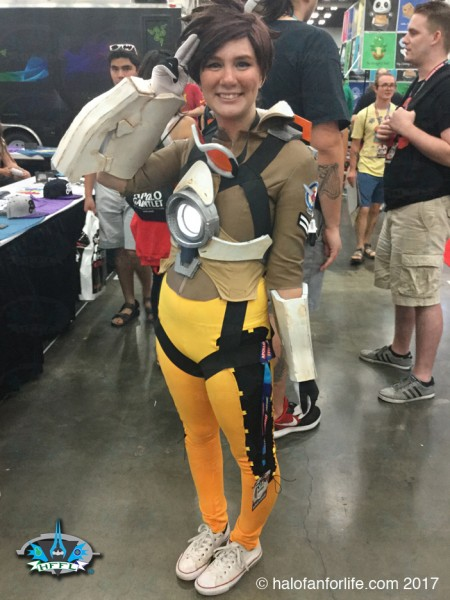 RTX2017 65 Tracer Cosplay
