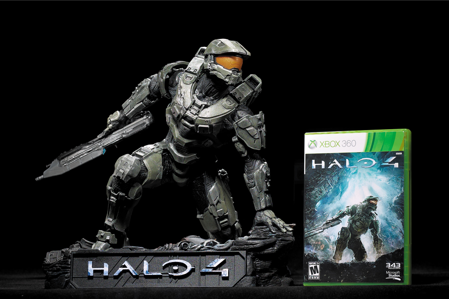 halo4-cover-statue_news_02_cl